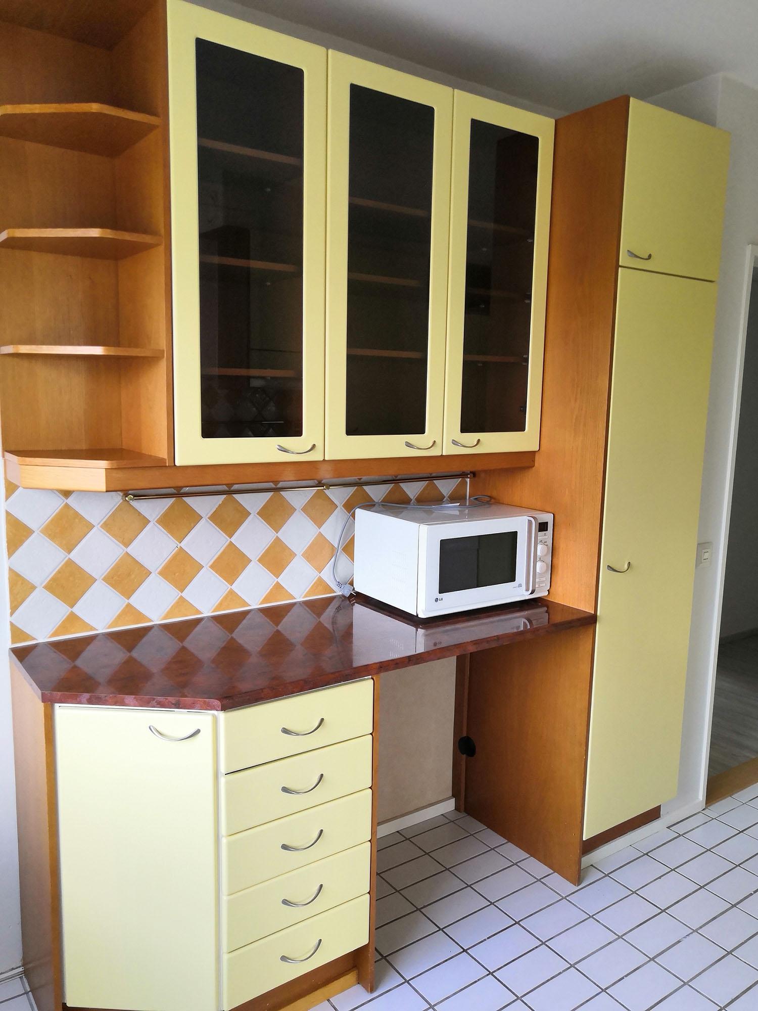 Laadukkaat keittiön kaapit ja laskutilaa